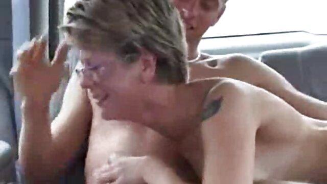 Samochki infatigable quiere follar, obtiene porno gratis de viejos con jovencitas un gran placer de follar apasionadamente con un juguete, se puede empujar y masturbar en todas las grietas