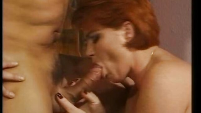 Jessica Rowe luce seductora con un vestido de follando ancianas gratis leopardo