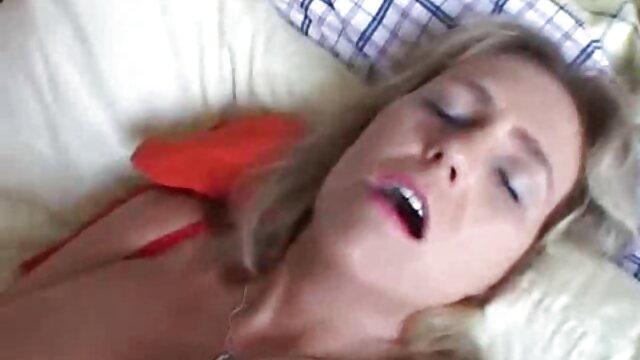 Veronica se viejos muy viejos follando masturba en la ducha