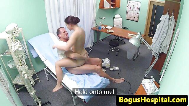 Una chica gilipollas porno gratis jovencitas con viejos se folla a un negro guapo
