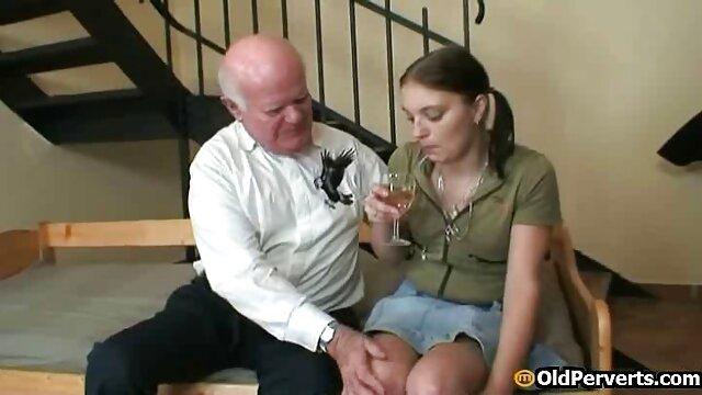 Christy muy seductora en tus viejos gordos follando jovencitas pantallas
