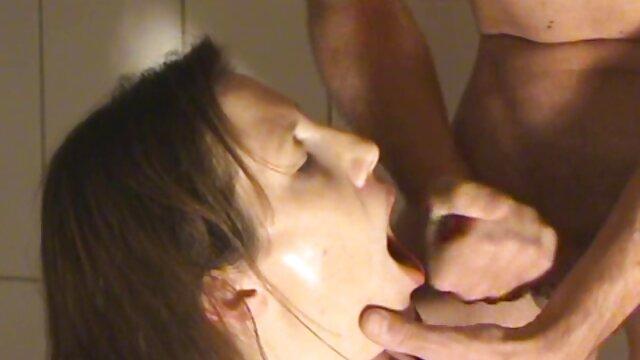 Recopilación de guapas zorras con pollas en videos porno viejos jovenes la boca