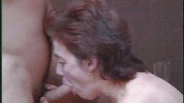Estudiante pelirroja se quedó videos de viejos con nenas para una lección extra para tener mucho sexo con la maestra
