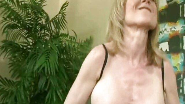 Angelina Castro se ancianas cojiendo xxx masturba en clase