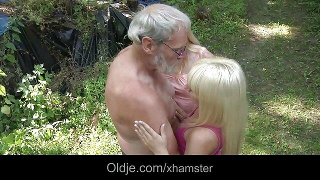 Hermoso sexo ancianas asiaticas follando con diferentes chicas jóvenes