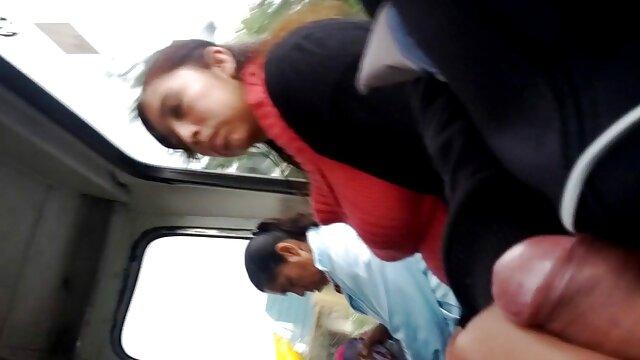 Hermano ancianas follando en la calle cachondo atrapado hermanastra follando polla de goma