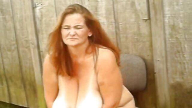 Fiesta sexo con viejos caseros de swingers cachondos en el apartamento